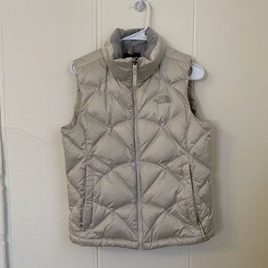 The North Face Silver Puffer Vest Size Small